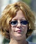 メグ・ライアン ビフォー・アフター画像集:ABC(アメリカン・バカコメディ)振興会:唇にボトックス注入するのもいいんですが、2重アゴの吸引も必要かも。